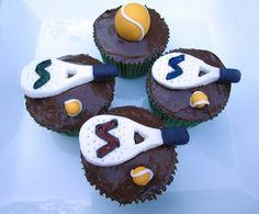Ummm... Me apetece merendar con estos cupcakes de padel y un #cafeconleche http://www.realsport.es