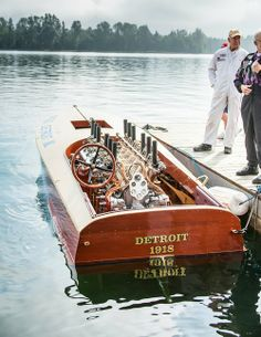 The Miss Detroit III. Legendary boat racer Gar Wood won the 1918 Gold Cup race with this wooden hydroplane, powered by a 1916 Curtiss aircraft engine. Photo by Michael McBride. Course Vintage, Wooden Speed Boats, Sports Nautiques, Classic Wooden Boats, Fast Boats, Race Engines, Old Boats, Love Boat, Boat Stuff