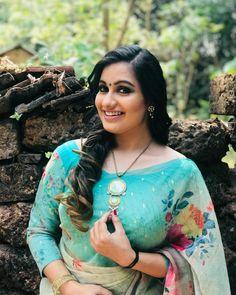 Beautiful Girl Indian, Beautiful Saree, Beautiful Women, India Beauty, Asian Beauty, Lovely Smile, Stylish Sarees, South Indian Actress, Indian Beauty Saree