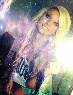 blonde! & her makeup!