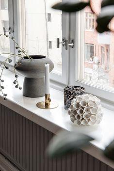 Detailed information block on modern home decorations. Window Design, Peps, Vase, Interior Design, Community, Windows, Decorations, Inspiration, Beautiful