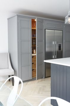 Decorating Your Home, Interior Decorating, Interior Design, Kitchen Cabinetry, Cabinets, Bespoke Kitchens, Kitchen Paint, Beautiful Kitchens, Built Ins