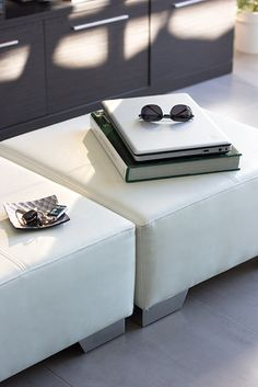 Chiralt Arquitectos I Zona de estar en vivienda moderna. Mobiliario minimalista.