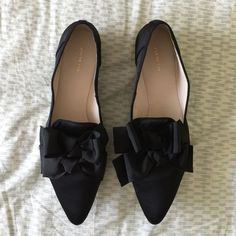 🎀Host Pick 7/3🎀 All Black Bow Bow shoes, US 10 Obsessed with these shoes! Brand new, never worn, All Black Bow Bow shoes, in black, new, US 10, EUR 40-- comes with original box 🎀Style Obsession HOST PICK on 7/3/15🎀 All Black Shoes Flats & Loafers