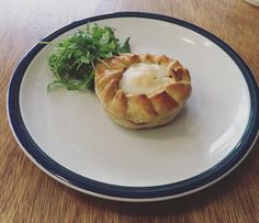 It's pie weather outside and this week we have a lamb mushroom ragu pie a Spanish chicken  chorizo and olive pie pork and apple sausage rolls and a green lentil  roast vegetable pastie. Mmm pie weather.  #pie #delicious #instatassie #discovertasmania #lunch