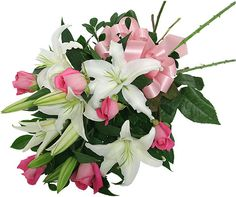 ae, one of the well-known online florist shops, offers a large variety of wedding flowers. Our amateur professionals specialize in flower arrangements as per customer's needs. Beautiful Rose Flowers, Real Flowers, Amazing Flowers, Buy Flowers Online, Online Flower Shop, Flower Bouquet Pictures, Flower Bouquets, Rose Delivery, Lily Bouquet