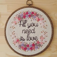 Availabe at my Etsy shop! Check the link on bio. Disponible en Etsy! Link en la bio. #embroideryhoop #embroidered #love #allyouneedislove #walldecor #pink #flowers