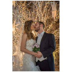 Lights of love  #luispedrogramajophotography #wedinguatemala #wedding #weddingday #destinace #destinasyon #destination #destinationwedding #bridebook #destinazione #weddingphoto #weddingideas #weddings #weddingphotography #weddingphotographer #weddingdress #love #forever #antigua #picoftheday #photooftheday #weddingideas_brides #weddingawards #weddinginspiration #HuffPostIDo #bruiloft #marriage #matrimoniocivil #huaweisnapys