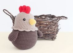 Mesmerizing Crochet an Amigurumi Rabbit Ideas. Lovely Crochet an Amigurumi Rabbit Ideas. Crochet Gratis, Crochet Diy, Crochet Birds, Easter Crochet, Crochet Patterns Amigurumi, Crochet Animals, Crochet Dolls, Crochet Chicken, Chicken Pattern