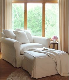 Home Decor Ideas Interior Design love the cozy corner.Home Decor Ideas Interior Design love the cozy corner Big Comfy Chair, Big Chair, Cozy Chair, Chair Cushions, Upholstered Chairs, Large Chair, Swivel Chair, Big Couch, Cuddle Chair