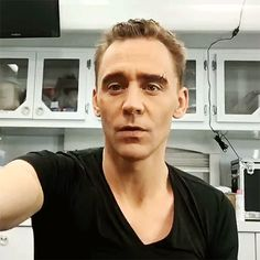 "luca_vannella: ""Loki transformation!!! #ragnarok《《they firstly set the eyebrows and then start doing the wig part"