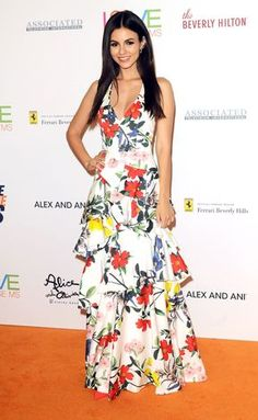 Victoria Justice Wears The Alice + Olivia Flossie Tiered Gown To Race To Erase Ms April 20 2018 Matthew Lawrence, Victoria Justice Style, Floral Gown, Red Carpet Looks, Red Carpet Dresses, Beautiful Celebrities, Beautiful Women, Buy Dress, Ruffle Dress