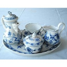 MEISSEN-BLUE ONION PATTERN-TEA SET FOR ONE-C1910-HAND PAINTED-LOVELY EXCELLENT CONDITION