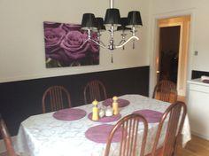 Salle à déjeuner au Couette & Café À la Québécoise au Centre Ville de Québec.   Une 2è salle.  418-529-2013