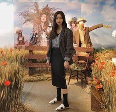 Korean Fashion – How to Dress up Korean Style – Designer Fashion Tips Korean Fashion Trends, Korean Street Fashion, Korea Fashion, India Fashion, Japan Fashion, Fashion Beauty, Girl Fashion, Womens Fashion, Fashion Tips