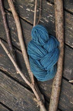 Plant dyed organic wool yarn/blue/indigo. Via en.DaWanda.com.