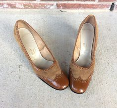 a1bd0510916a vtg 60s TOFFEE brown patent leather WINGTIP HEELS mod 7 7.5