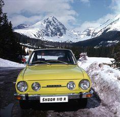 10 klíčových vozů historie Škody: od aut pošťáků k Octavii RS - 119 - Land Rover, Volkswagen Group, Yellow Car, Car Posters, Unique Cars, Car Tuning, Car Pictures, Car Pics, Concept Cars