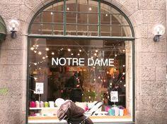 Wo gibt es die dänischen Wohnaccessoires-Läden in Kopenhagen? Ich kann mir vorstellen, das fragt man sich, wenn man das erste Mal in Kopenhagen ist und durch die Fußgängerzone bummelt? Denn dort waren sie bisher nicht so leicht zu finden, wie ich finde. Neben... #bloomingville #greengate #gronlykke