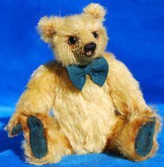 New Bears for your hug? Hug, Bears, Adoption, Teddy Bear, Animals, Foster Care Adoption, Animales, Animaux, Teddy Bears