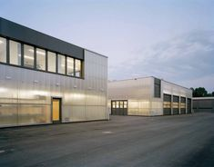 Image 3 of 15 from gallery of Maintenance Facility / Allmann Sattler Wappner Architekten. Photograph by Florian Holzherr Industrial Architecture, Contemporary Architecture, Architecture Details, Factory Design, Reinforced Concrete, Building Facade, Diffused Light, Townhouse, Storage Spaces