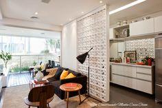 Divisórias de ambientes cheias de charme é tendência na arquitetura moderna!   Os cobogós são os elementos em tramas vazadas que tiv...