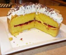 Recipe Thermomix Sponge Cake (updated) by The Bush Gourmand, learn to make this recipe easily in your kitchen machine and discover other Thermomix recipes in Baking - sweet. Crock Pot Cooking, Cooking Recipes, Sweet Recipes, Cake Recipes, Bellini Recipe, Baking Secrets, Healthy Bars, Thermomix Desserts, Sweets Cake