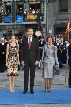 La llegada de los Reyes y la reina Sofia a los Premios Princesa de Asturias 2016