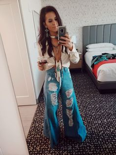 Wildrose Retro Western Fashion NFR Style Stylist - Wildrose Retro Western Fashion NFR Style Stylist Source by - Country Style Outfits, Southern Outfits, Boho Hippie, Bohemian Mode, Cowgirl Outfits, Hippie Outfits, Western Outfits Women, Looks Country, Only Shorts