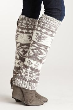 MUK LUKS Classic Legwarmers: I'll be sporting this one of these days! Fall Winter Outfits, Winter Wear, Autumn Winter Fashion, Fashion Boots, Fashion Outfits, Womens Fashion, Boots With Leg Warmers, Crochet, Passion For Fashion