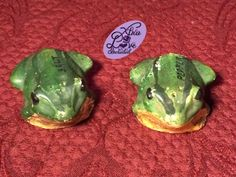 Rare Vintage Chalkware Green Frog Salt and Pepper Shakers by XtraLoveIncluded on Etsy