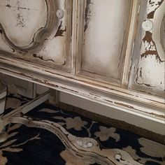 DIY Tutorial Ombre Step by Step Recorded Furniture Makeover Class Painting Antique Furniture, Distressed Furniture Painting, White Painted Furniture, Paint Furniture, Furniture Makeover, Furniture Ideas, Ombre Paint, Diy Ombre, Paint Flowers