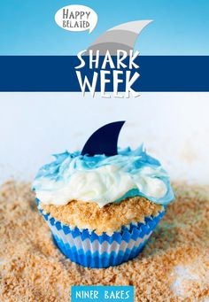{Summertime, Vacation time} Beach, Ocean & Shark Cupcakes - by @Nina bakes  #sharkweek #shark #cupcakes