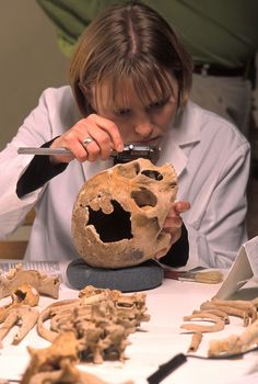 I want to be a forensic anthropologist, I want to figure out how people died and solve their murders