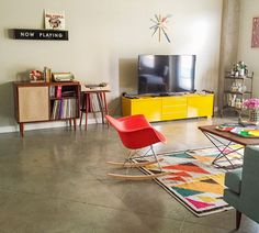 A Colorful Mid-Century Style Living Room in Austin - Front + Main : Front + Main Small Apartment Living, Small Apartments, Living Spaces, Living Rooms, Mid Century Style, Mid Century Modern Design, Colourful Living Room, The Design Files, Living Room Inspiration