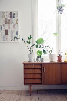 Uusi senkki / olohuone Interior Decorating, Interior Design, Mid Century Modern Design, Living Room Interior, Cozy House, House Colors, My Dream Home, Interior Inspiration, Small Spaces