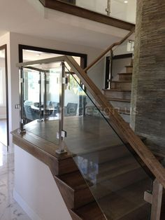 Ramesh - OH - Modern Stainless Steel Cable and Glass Railing - Inline Design Staircase Design Modern, Modern Stairs, Railing Design, Railing Ideas, Indoor Stair Railing, Staircase Railings, Bannister, Glass Stair Railing, Staircases
