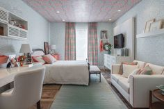 Colors for Female Room: Beautiful Tips and Photos! - Home Fashion Trend Room Design Bedroom, Bedroom Layouts, Bedroom Themes, Dream Bedroom, Home Bedroom, Bedroom Decor, Teen Bedroom, Bedrooms, Small Apartments