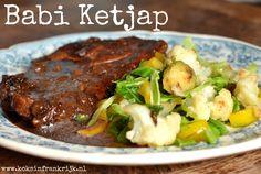 Indische keuken: babi ketjap van karbonade Asian Street Food, Slow Cooker, Steak, Food Porn, Beef, Recipes, Winter, Veal Stew, Catering Business