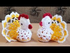 Gainusa crosetata. Easter chicken.English subtitles. - YouTube Easter Crochet Patterns, Crochet Crafts, Crochet Projects, Easter Crafts, Holiday Crafts, Peacock Crafts, Crochet Chicken, Crochet Videos, Flower Crafts