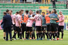 Players of Palermo celebrate after winning the Serie A match between US Citta di Palermo and UC Sampdoria at Stadio Renzo Barbera on May 1, 2016 in Palermo, Italy.