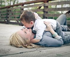 Mommy and me photo shoot done by Melody Ann Photography.