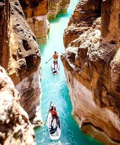 Paddle Board in High concentrations of calcium carbonate turn the water a vibrant blue-green in Havasu Creek, a tributary of the Colorado River, near Grand Canyon National Park. Arches Nationalpark, Yellowstone Nationalpark, North Cascades, Havasu Creek Arizona, Oh The Places You'll Go, Places To Travel, Trip To Grand Canyon, Grand Canyon River, Grand Canyon Arizona