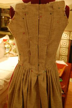 Making a robe a l'anglaise 15 by koshka_the_cat, via Flickr- my favourite late 18th C. gown back