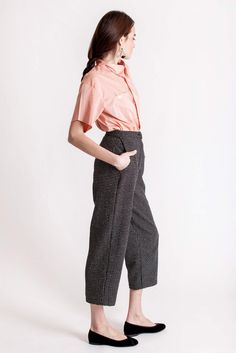 High waisted pants, a mix of cotton and wool, with side pockets and zip fastening in front. Designed by Dott. Piece Of Clothing, Sustainable Fashion, Branding Design, Harem Pants, Feminine, Spring Summer, Pockets, Wool, Zip