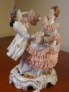 Antique-GERMAN-DRESDEN-LACE-MULLER-VOLKSTEDT-DANCING-Porcelain-Figurine-RARE