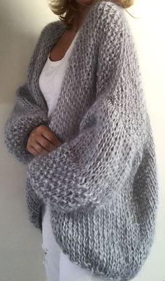 40 Ideas for knitting ideas sweaters tricot Pull Crochet, Crochet Cardigan, Knit Crochet, Beige Cardigan, Crochet Sweaters, Vogue Knitting, Hand Knitting, Knitwear Fashion, Kimono Fashion