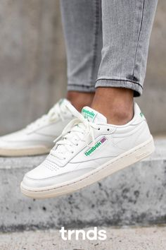 Reebok Club C 85 Vintage Chalk, Glen Green & Red Club C 85 Vintage, Nike Air Force, Nike Air Max, Reebok Club C, Air Max 95, Box Logo, Vans Old Skool, Fashion Games, Streetwear