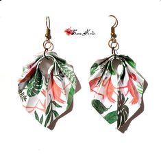 boucles d'oreilles origami tropicale vert rose motif flamand rose et feuille monstera, flamingo, bijoux tropical pliage papier