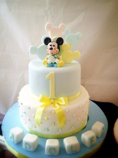 Mickey mouse topolino cake